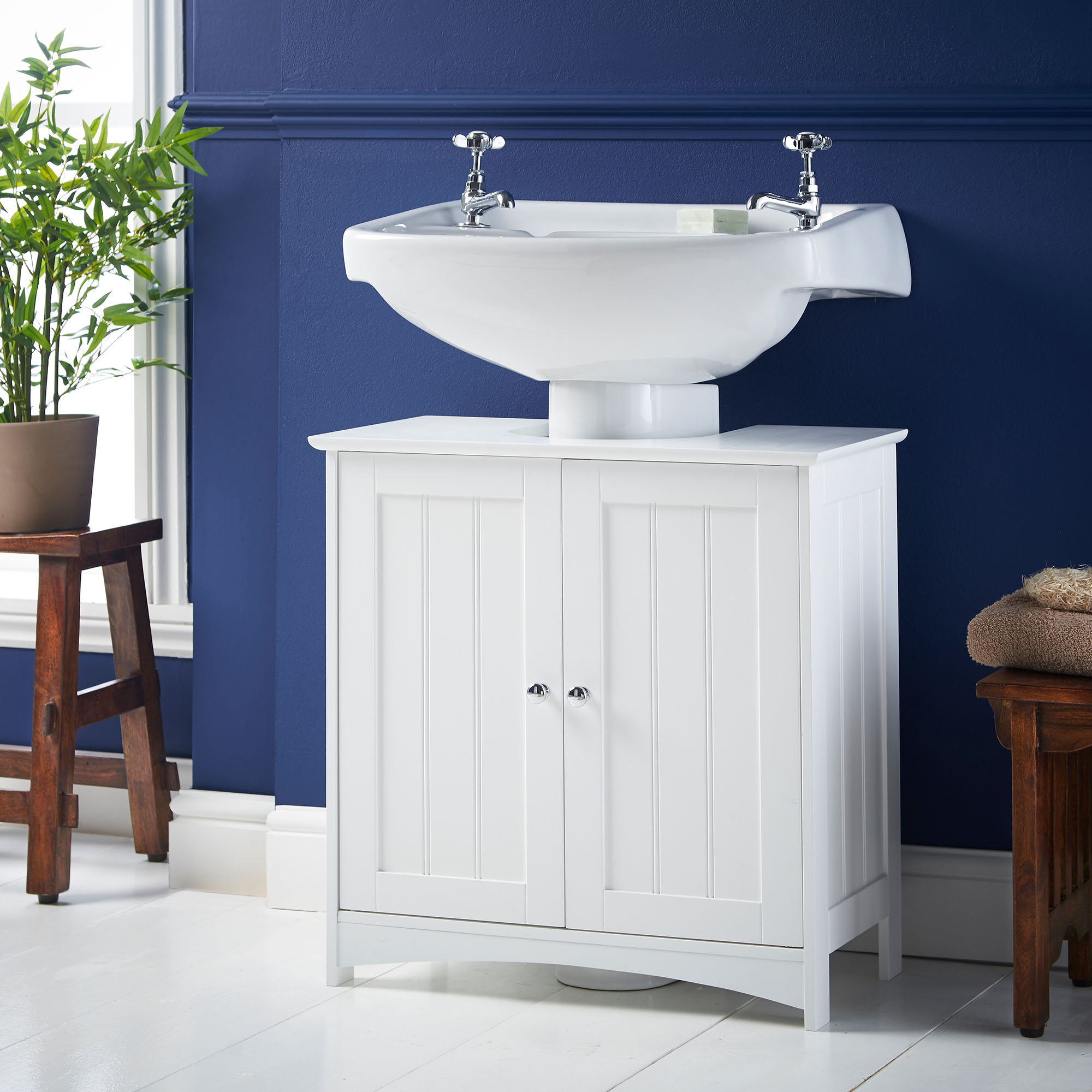 Vonhaus colonial under basin cabinet cupboard white for Colonial style bathroom vanities