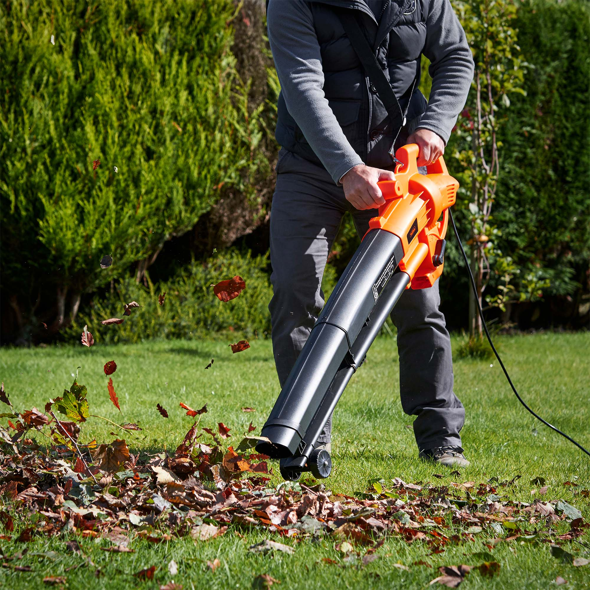 Best Leaf Blowers and Vacuums for Any Yard  Popular Mechanics
