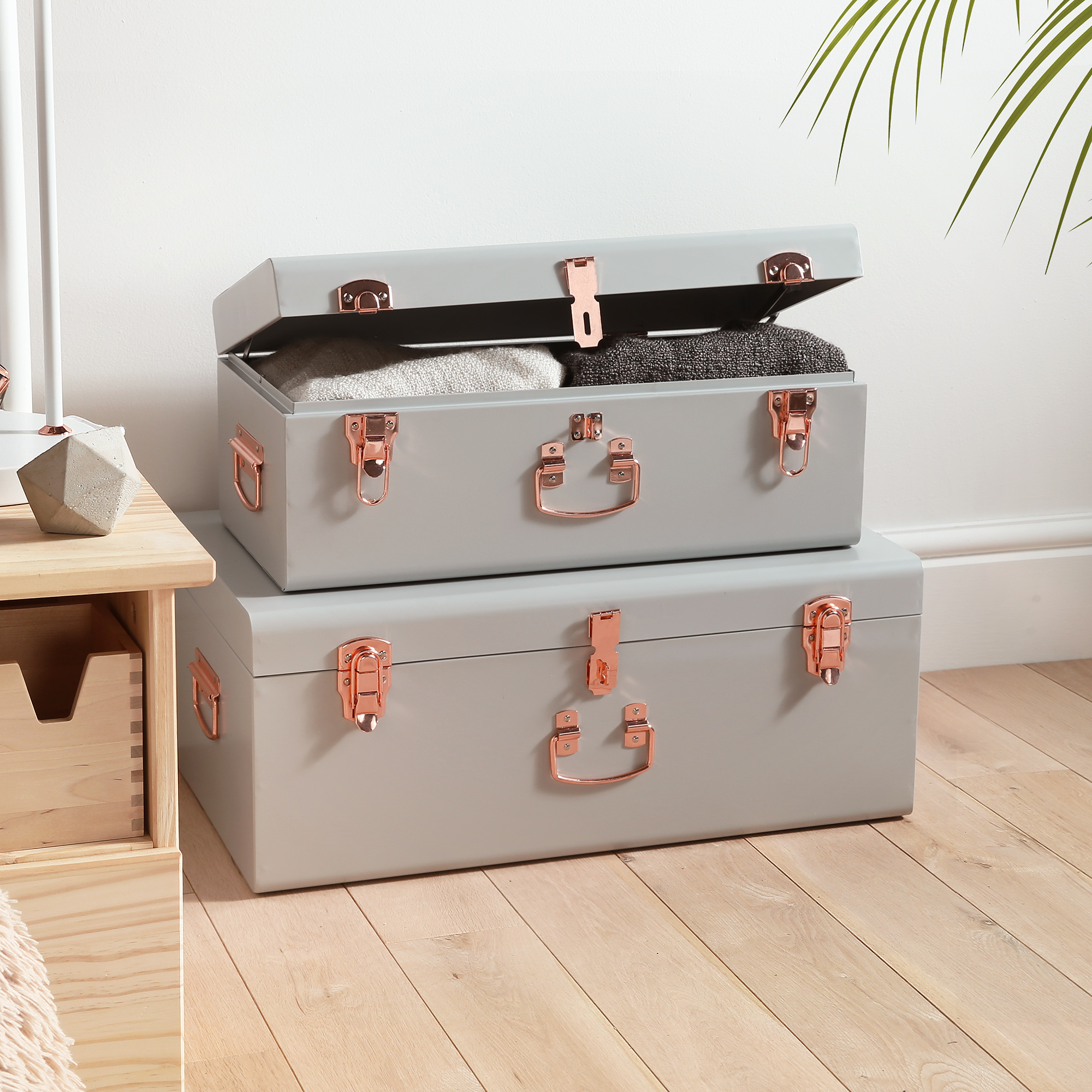 Sentinel Beautify Vintage Style Steel Storage Box Chest Trunk Set Of 2 Pale Grey Rose