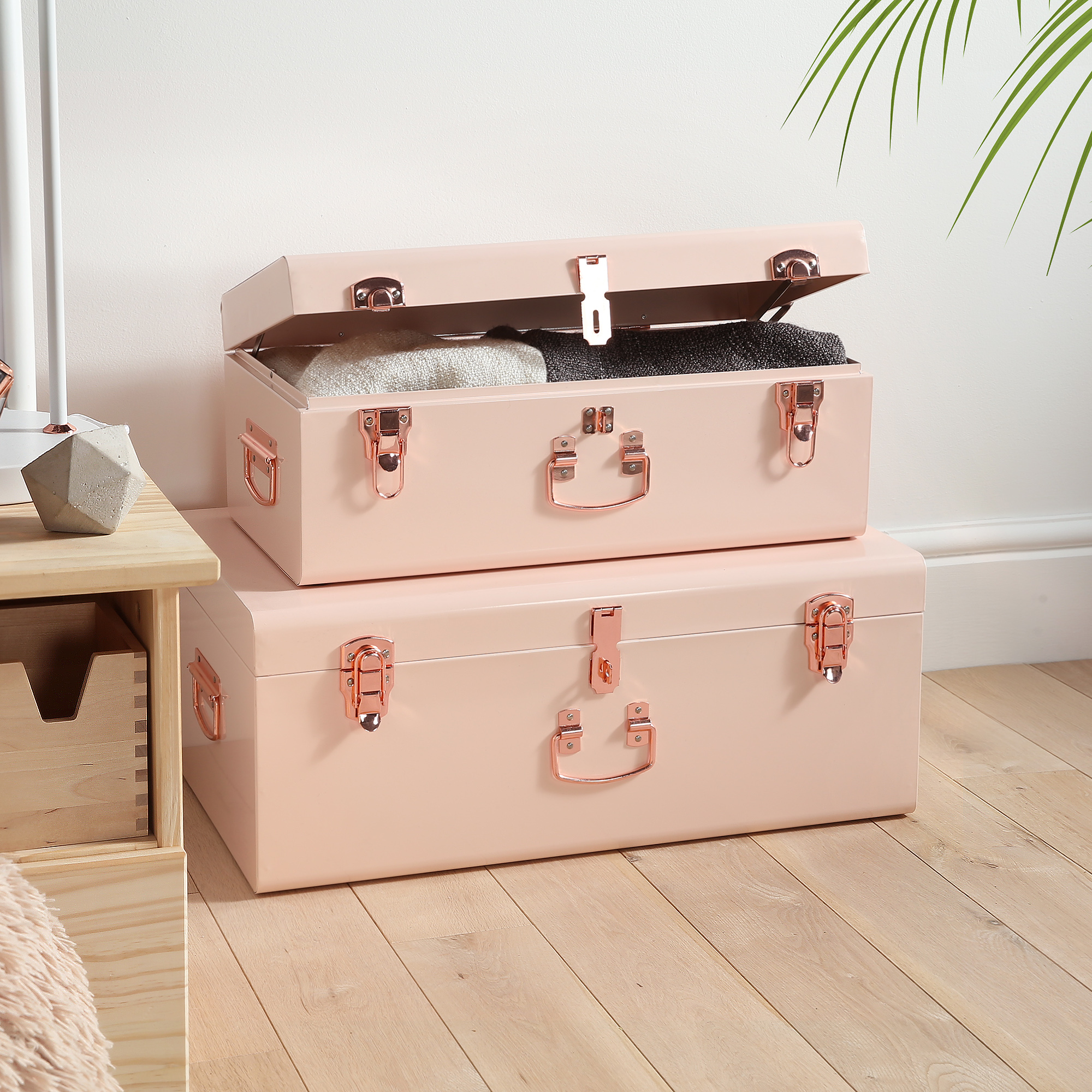 Merveilleux Sentinel Beautify Blush Pink Vintage Style Steel Storage Trunk Set With  Rose Gold Handles   Dorm